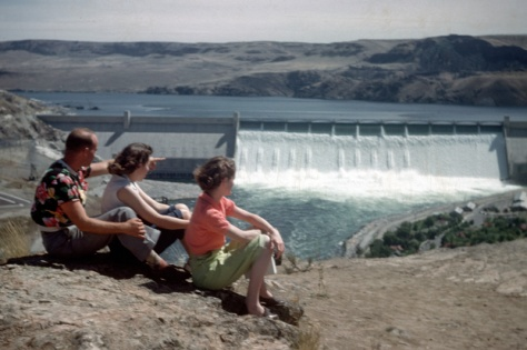 Grand Coulee Dam before the third powerhouse